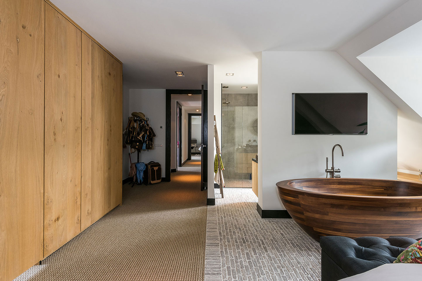 Image no. 4 of Wooden bathtub Baula in Walnut - Residence in Netherlands