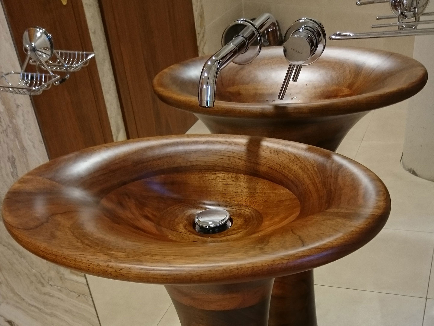 Image no. 1 of Unique Wood Design - Custom wooden washbasin Fuge
